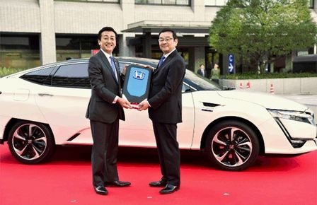 honda-clarity-fuel-cell-t.jpg